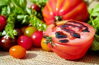 tomatoes-1587130_640.jpg